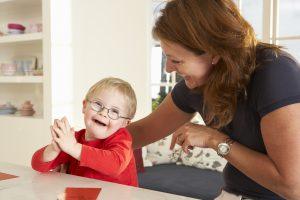 Logoopädie bei einem Kind mit Down-Syndrom